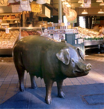 Rachel the Pig at Seattle's Pike Place Market