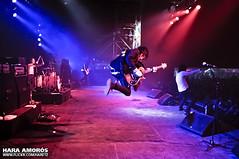 Alesana @ Groezrock 2010 (Hara Amors) Tags: show music festival rock photo jump jumping concert nikon foto belgium photos guitar live stage conci