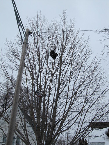 Shoefiti on Girard Ave N