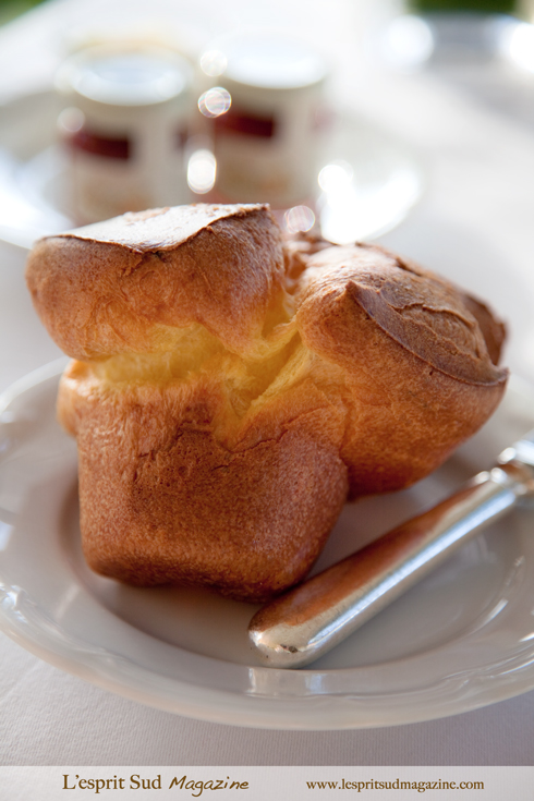 The famous Halekulani popover at Orchids restaurant