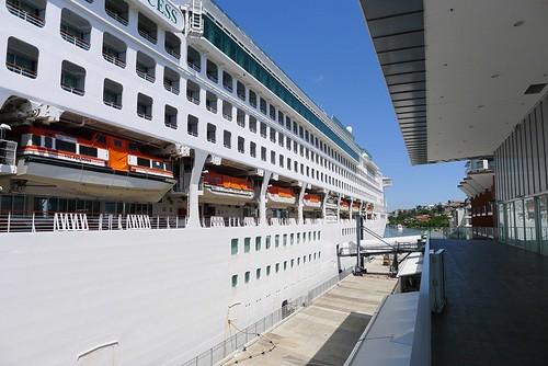 Cruise ship@Portside