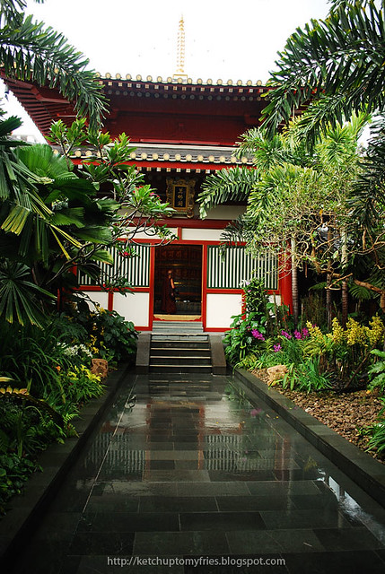 tooth-relic-temple-2