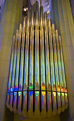 Orgue multicolor / Rainbow organ (SBA73) Tags: barcelona church colors wow spectacular temple reflex catholic colours interior basilica magic awesome faith tubes modernism iglesia kirche catalonia colores christian chiesa artnouveau organ gaudi reflejo inside catalunya colourful fe organo sagradafamilia marvel modernismo eglise templo catalua tubs modernisme pipeorgan holyfamily baslica tubos orgue catalogna sagradafamlia antonigaud katalonien catalogne  artdec esglsia expiatori vitralls