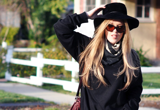 Vintage black hat, Tom Ford Sunglasses, Cynthia Rowley Bag with tassels, J Brand Houlihan skinny cargo pants, steve madden wedges, long blonde hair, DSC_0104
