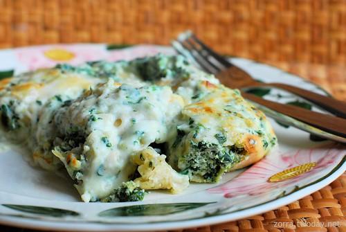 Cannelloni ricotta e spinaci (Cannelloni mit Ricotta und Spinat)