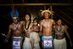 Unio e Tradio (paulonevesjr) Tags: brazil brasil amazon indian manaus pueblos indio amazonia indigena originales pauloneves tukano dessano