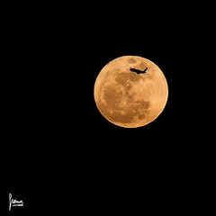 Super Lluna i avi (Francesc Reina / freina) Tags: barcelona moon canon luna catalunya avi avin lluna canon70200 canon7d supermoon freina franciscoreina superluna