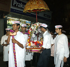 Fortcha Raja (Maghi Ganapati) (Raju Bist) Tags: birthday india fort religion celebration maharashtra mumbai ganapati maghiganapati2011