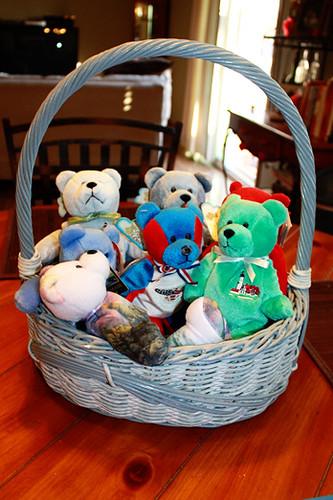 Bears-in-basket