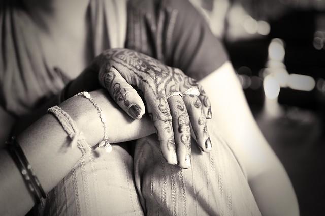 henna hand2