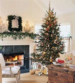 Fireplaces-decorated-for-Christmas1