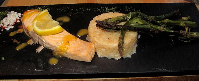 studzio-baked-salmon-rice-grilled-asparagus