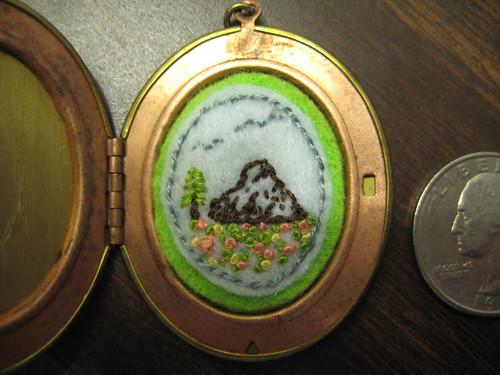 2011-04-03 lockets 021