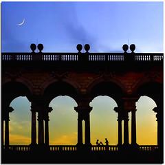 A love will be born (Nespyxel) Tags: vienna wien sunset two people moon backlight austria österreich tramonto arc silhouettes luna romantic arco due controluce magicmoment palazzoreale superlativas nespyxel stefanoscarselli saariysqualitypictures tufototureto truthandillusion