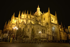 Cathedral  Catedral de Segovia (Spain), HDR (marcp_dmoz) Tags: lighting espaa church architecture night photoshop spain arquitectura nikon shot cathedral map gothic kathedrale catedral iglesia kirche segovia nocturna architektur santamaria nikkor 1735mmf28d virginmary tone hdr spanien beleuchtung iluminacion nachtaufnahme gotico gotisch castillayleon photomatix tonemapped tonemapping tonemap castileandleon heiligemaria d700 kastilienundleon dwcffnight gettyimagesiberiaq3