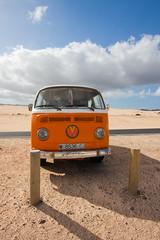 T2 Naranja (minuano12) Tags: vw navidad fuerteventura camper vacaciones t2 corralejo elburro vagon calirfornia 0043