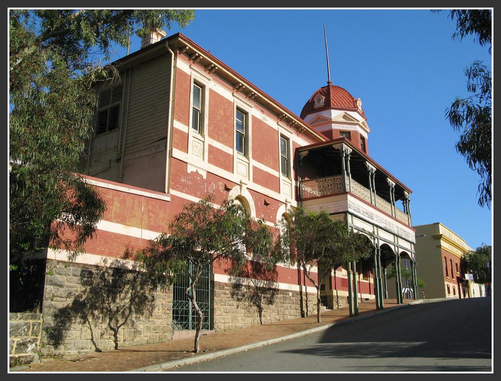 Royal Hotel (fmr), George Street, East Fremantle, WA