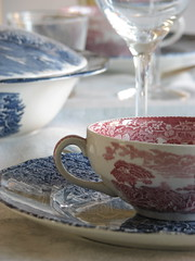 Time for soup (Poppins' Garden) Tags: china pink blue glass dinner vintage table soup dish achallengeforyou acfy