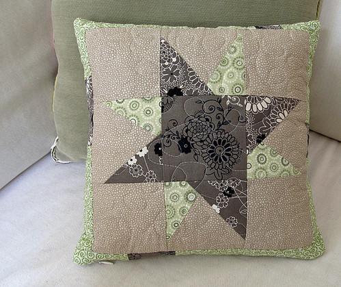 wonkey star throw pillow