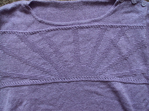 Lilac Short Sleeved Sweater (detail)