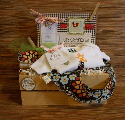 Baby Lux Deisgn gift basket