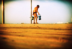 low down on barcelona beach (lomokev) Tags: barcelona sea beach holga lomo lca xpro lomography crossprocessed xprocess low ground lomolca groundlevel vignetting lomograph holga35 precisa ratseyeview deletetag holga35bc holgabc lomographyxpro200 file:name=100701holga35lomoxpro200011 roll:name=100701holga35lomoxpro200