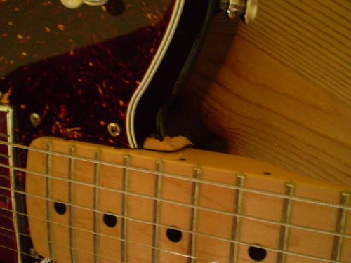 how to fix a broken ukulele neck