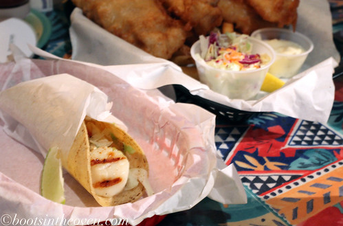 The Texans had to try a scallop taco, because huh?