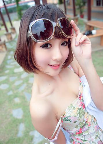 [フリー画像] 人物, 女性, アジア女性, ドレス, 201103101500