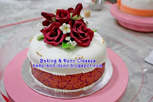 Batch 31 Dec 2010: Basic Fondant Wedding Cake