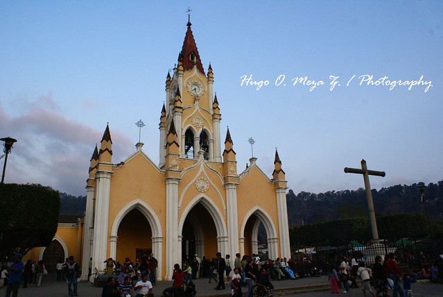 Visita a la Velación del Templo de San Felipe de Jesus