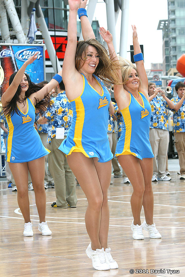 UCLA Dance Team 036