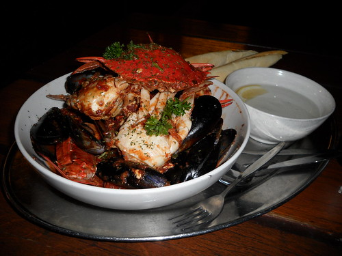 Cicerello's Chilli Mussels and Crab 120311