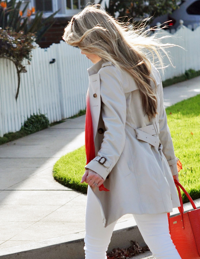 burberry trench coat, nautical look, white jeans, red bag, kate spade bag, tote bag, blue and white stripes, striped tank, long blonde hair, tiffany silver necklace, ombre scarf DSC_0484