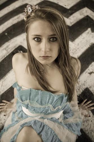 [フリー画像] 人物, 女性, コスプレ, 不思議の国のアリス, 201104091500