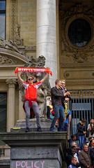 2016-06-18_17-29-42_ILCE-6300_9145_DxO (miguel.discart) Tags: 2016 87mm belgique belgium belira belirl bru brussels bruxelles bxl candidportrait candide candideportrait createdbydxo drapeau dxo e18200mmf3563oss editedphoto euro euro2016 flag focallength87mm focallengthin35mmformat87mm football ilce6300 irlande iso100 pedestrian pietonnier sony sonyilce6300 sonyilce6300e18200mmf3563oss sport