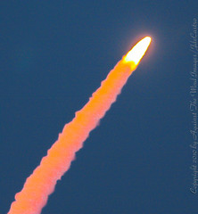 Shuttle_Night_Launch_Discovery-5234