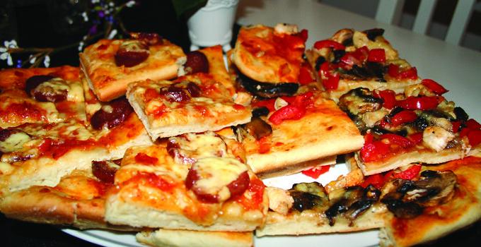 Pizza på bordet