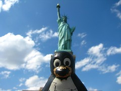 Tux and the Statue of Liberty (cavorite) Tags: penguin linux tux