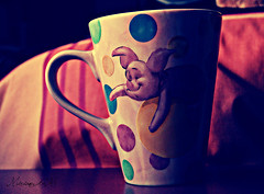 Piglet desayuna conmigo :) [38/365] (MiriamGM) Tags: madrid pink españa cup breakfast spain nikon rosa days 365 proyect desayuno taza dias alcobendas proyecto 2011 d40 pigles miriamgm
