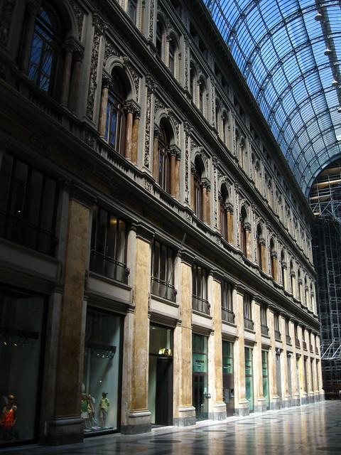 ナポリのアーケードのフリー写真素材