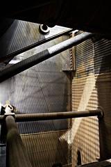 Turbinenraum... (Wolf-Ulf Wulfrolf) Tags: austria kalt metall treppen urbex rohre reaktor nukular akw atomkraft stiegen gewirr zwentendorf siedewasserreaktor aufzumatem aufzumatom fetteskraftwerk ungutknutat wwwungutknutat