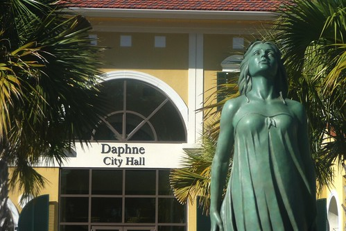 Daphne and Daphne City Hall