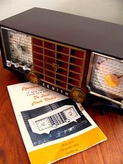 Zenith Clock Radio, R623 (NWW.) Tags: clock radio tube bakelite zenith