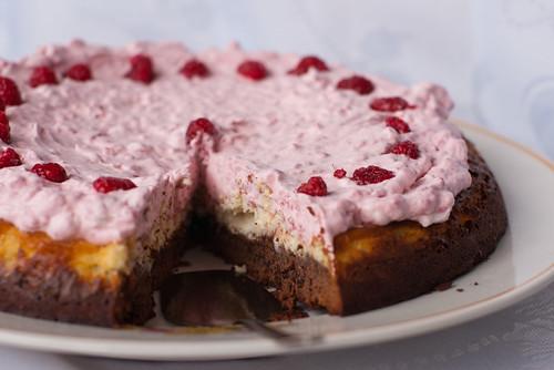 Vaarika-toorjuustu-šokolaadikook / Raspberry cheesecake brownie