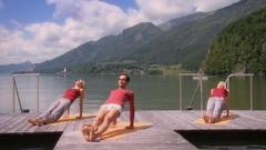 Yoga am Wolfgangsee/Salzkammergut (GMF-Productions) Tags: yoga relax sterreich obersterreich wolfgangsee wellness entspannung salzkammergut upperaustria gmf gmfproductions gerolfnikolay