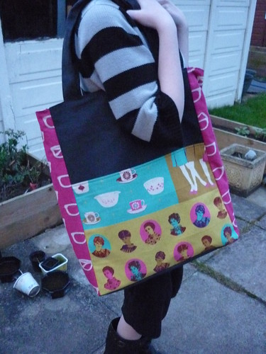 Side 1 of the Reversible Everyday Shopper
