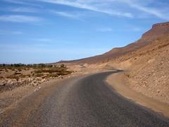 Maroc J5-010 (Routavelo) Tags: voyage trip travel mountain bike bicycle montagne landscape track morocco maroc atlas zagora touring vélo piste draa routavelo nicolasdh m'hamid
