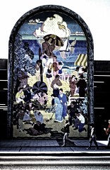 sunny day (Le Xuan-Cung) Tags: california people urban streetart wall losangeles lightsandshadows nikon streetshots streetphotography analogphotography nikonf3 sunnyday kodakektachrome polfilter urbanshots circularfilter urbanlosangeles livinginlosangeles lightsanddarks livinginusa