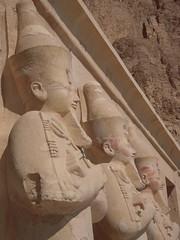 Hatshepsut/Osiris Trio (Gibna Kebira) Tags: statue temple queen pharaoh luxor osiris thebes hatshepsut deirelbahri newkingdom mortuarytemple osirid 13feb2011